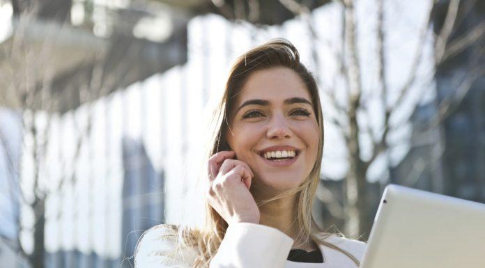 כמה עולה טיפול הלבנת שיניים?